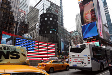 New York  USA  Strassenverkehr am Times Square