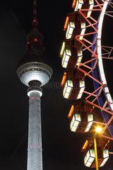 Berlin  Deutschland  Riesenrad vor dem Fernsehturm