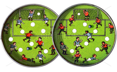 altes Geduldsspiel Fussball  1952