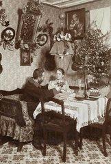 Paar feiert Sylvester 1898