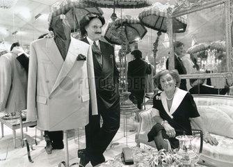 Rudolph Moshammer mit Mutter Else  1991