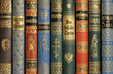 Biografien im Buecherregal  1955