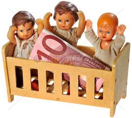 Symbolfoto Kindergeld  Kindergelderhoehung  Humor