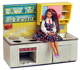 Frau in der Kueche  Berufstaetige