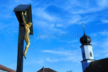 katholische Kirche in Bayern  Kreuz