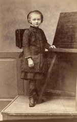 Schuelerin um 1898