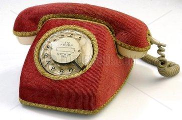 Telefon mit Brokatbezug 1971
