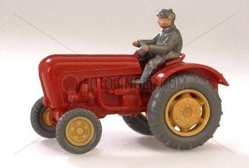 Spielzeug-Traktor 60er Jahre
