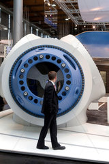 Hannover  Deutschland  Windkraftanlage auf der Industriemesse Hannover
