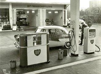 BP Tankstelle um 1960