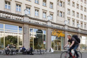 Berlin  Deutschland  das Cafe Sibylle in der Karl-Marx-Allee in Berlin-Friedrichshain