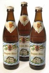 3 Flaschen Papst-Bier