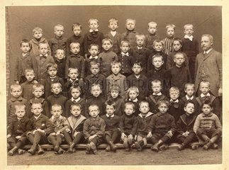 altes Klassenfoto  um 1897