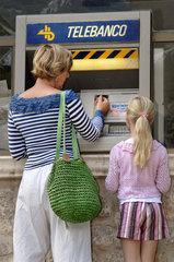 deutsche Touristen  Geldabheben im Ausland  Mallorca