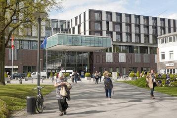 UKE Hamburg  Zentralgebaeude mit Haupteingang