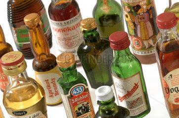 Spirituosen  Miniflaeschchen  60er Jahre