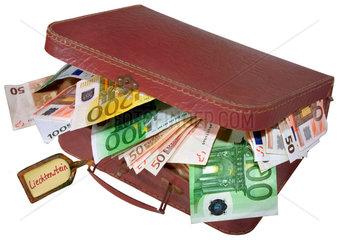 Geldkoffer  Euro  Steuerflucht  Schwarzgeld