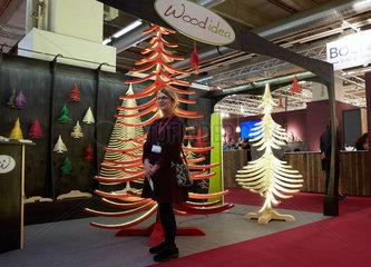 Frankfurt  Deutschland  Messestand von Wood idea auf der Messe Christmasworld 2015