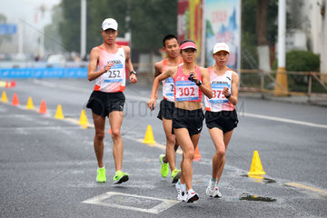 (SP)CHINA-HUANGSHAN-ATHLETICS-RACE WALK-LIU HONG-WORLD RECORD(CN)