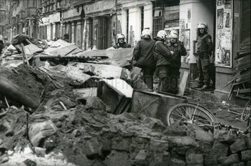 Raeumung der Mainzer Strasse  Ostberlin  1990