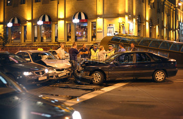 Minsk  Weissrussland  ein Autounfall im Zentrum