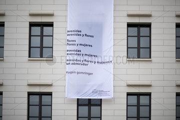 Gomringer-Gedicht am Brandenburger Tor