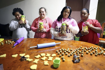 EGYPT-CAIRO-DOWN SYNDROME-BISCUITS