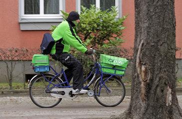 Berlin  Deutschland  Briefzusteller der PIN AG