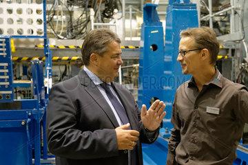 Wildau  Deutschland  Bundeswirtschaftsminister Sigmar Gabriel  SPD  und Dr. Thomas Wulff