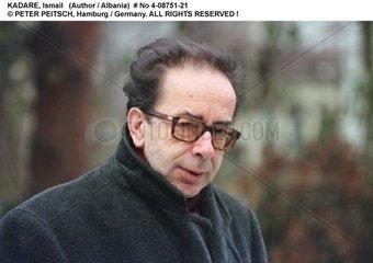 KADARE  Ismail - Portrait des Schriftstellers
