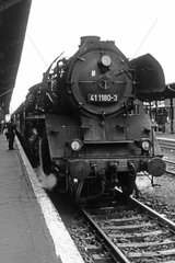 Berlin  DDR  die 41 1180 im Bahnhof Schoeneweide