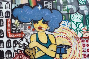 Berlin  Deutschland  Graffiti an einer Hauswand in Berlin