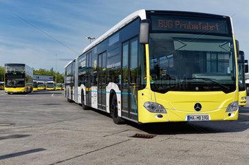 Berlin  Deutschland  BVG testet ueberlange Busse