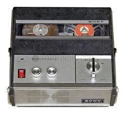 tragbares kleines Tonbandgeraet Sony TC-900 S  1965