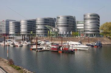 Duisburg  Deutschland  Five Boats und Marina