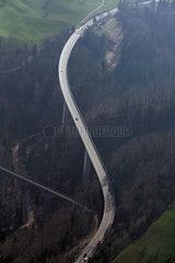 Beromuenster  Schweiz  Blick auf zwei Strassenbruecken