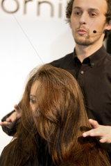 Posen  Polen  Werbeaktion mit einem Model fuer das Produkt Hair Play