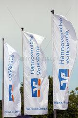 Hannover  Niedersachsen  Deutschland  Fahnen der Hannoverschen Volksbank