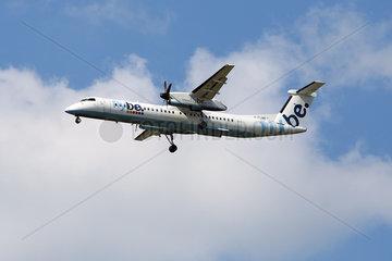 Hannover  Niedersachsen  Deutschland  Bombardier DHC-8-Q-402 der Fluggesellschaft flybe