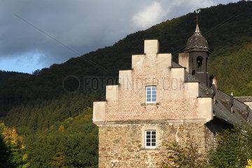 Finnentrop-Lenhausen  Deutschland  Nebengebaeude des Schlosses Lenhausen