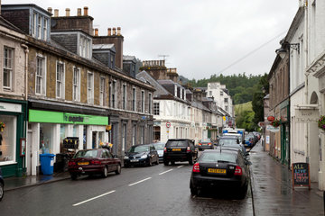 Dunkeld  Grossbritannien  Wohn- und Geschaeftsgebaeude in Dunkeld
