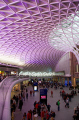 London  Grossbritannien  neue Dachkonstruktion in der King's Cross Station