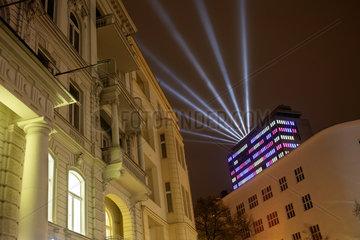 Berlin  Deutschland  Festival of Lights auf dem Hochhaus in der Uhlandstrasse