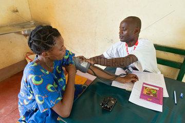 Kakuma  Kenia - Muetter- Geburtsstation der Johanniter Auslandshilfe im Fluechtlingslager Kakuma.