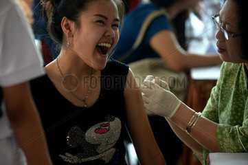 INDONESIA-JAKARTA-DIPHTHERIA-VACCINATION-COLLEGE STUDENT