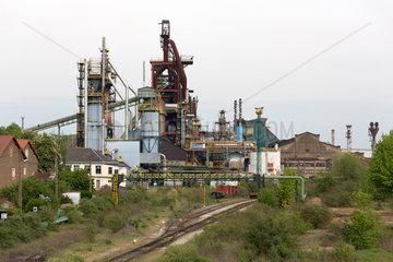 Frankreich  Lothringen  Hayange - Stillgelegtes Stahlwerk in der strukturschwachen Stadt  waehlte 2014 Front National-Politiker zum Buergermeister