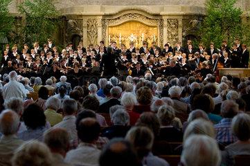 Dresden  Deutschland  Dresdner Kreuzchor und Philharmonisches Kammerorchester in der Dresdner Kreuzkirche