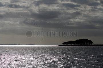 Locmariaquer  Frankreich  Gewitterstimmung am Pointe de Kerpenhir