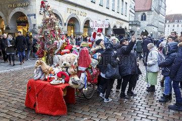 Helmut Robers  Muensters radelnder Weihnachtsmann