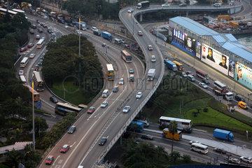 Hong Kong  China  Verkehrsfuehrung an der Gloucester Road